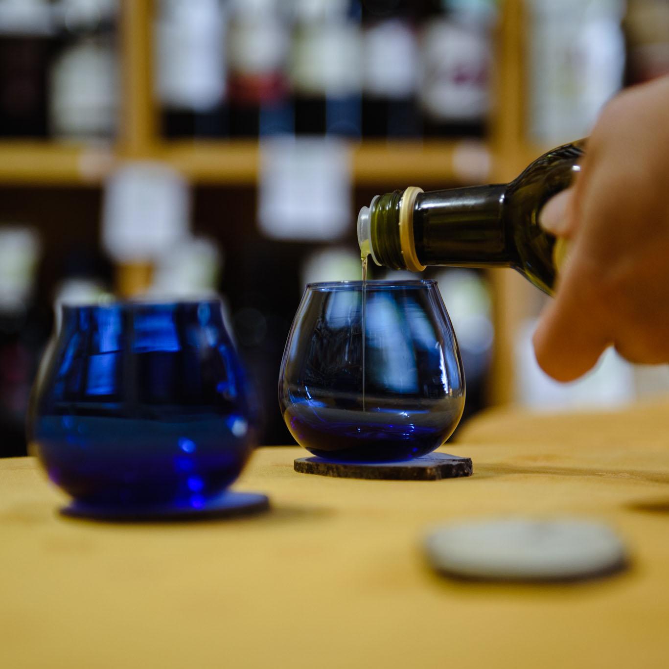Degusta l'oro di Puglia: panel test sull'olio extravergine di oliva